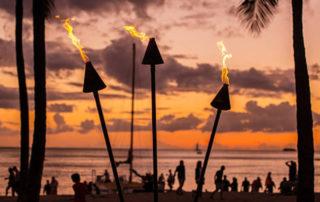 crowded Maui beach